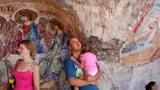 Montenegro. Manastir Ostrog video(Приехав в Черногорию, обязательно посетите это святое место. Приложитесь к мощам святого чудотворца Васили..., 2016-09-15T20:30:35.000Z)