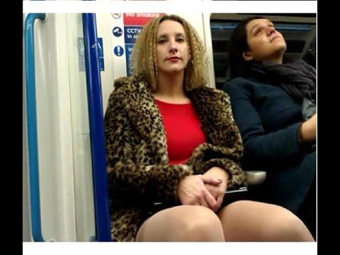 experimento Mujeres pervertidas viendo entrepierna de hombres