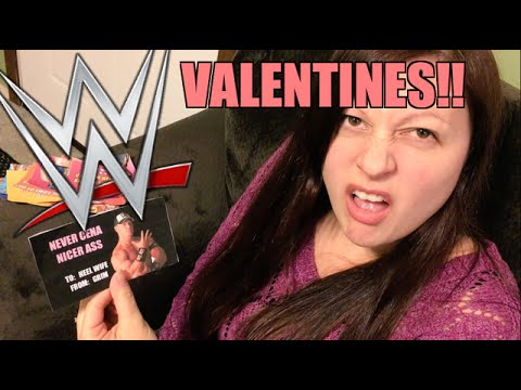 HEEL WIFE REACTS TO HILARIOUS WWE VALENTINES DAY CARDS!