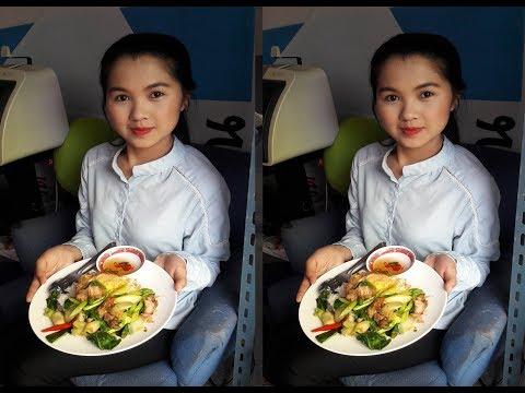 EP 64 _ Hello Thailand อาหารค่ำคืนนี้เป็นคะน้าหมูกรบที่ร้านโคตรกระเพรา