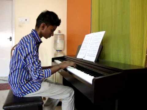 Karthikrao student at Vidhvath school of music playing Grade4 2014 Kaki no tane