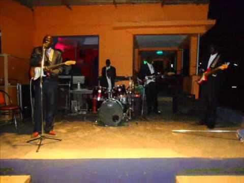 Abyei Jazz Band - Arop Nyok Kuol - Angeer