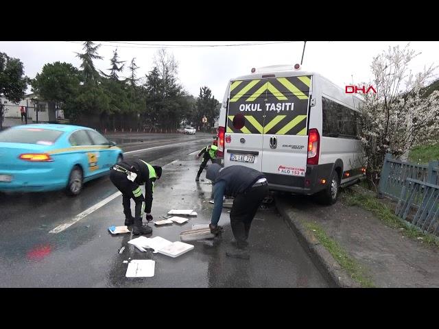 Sultangazi'de iki minibüs kafa kafaya çarpıştı: 4 yaralı