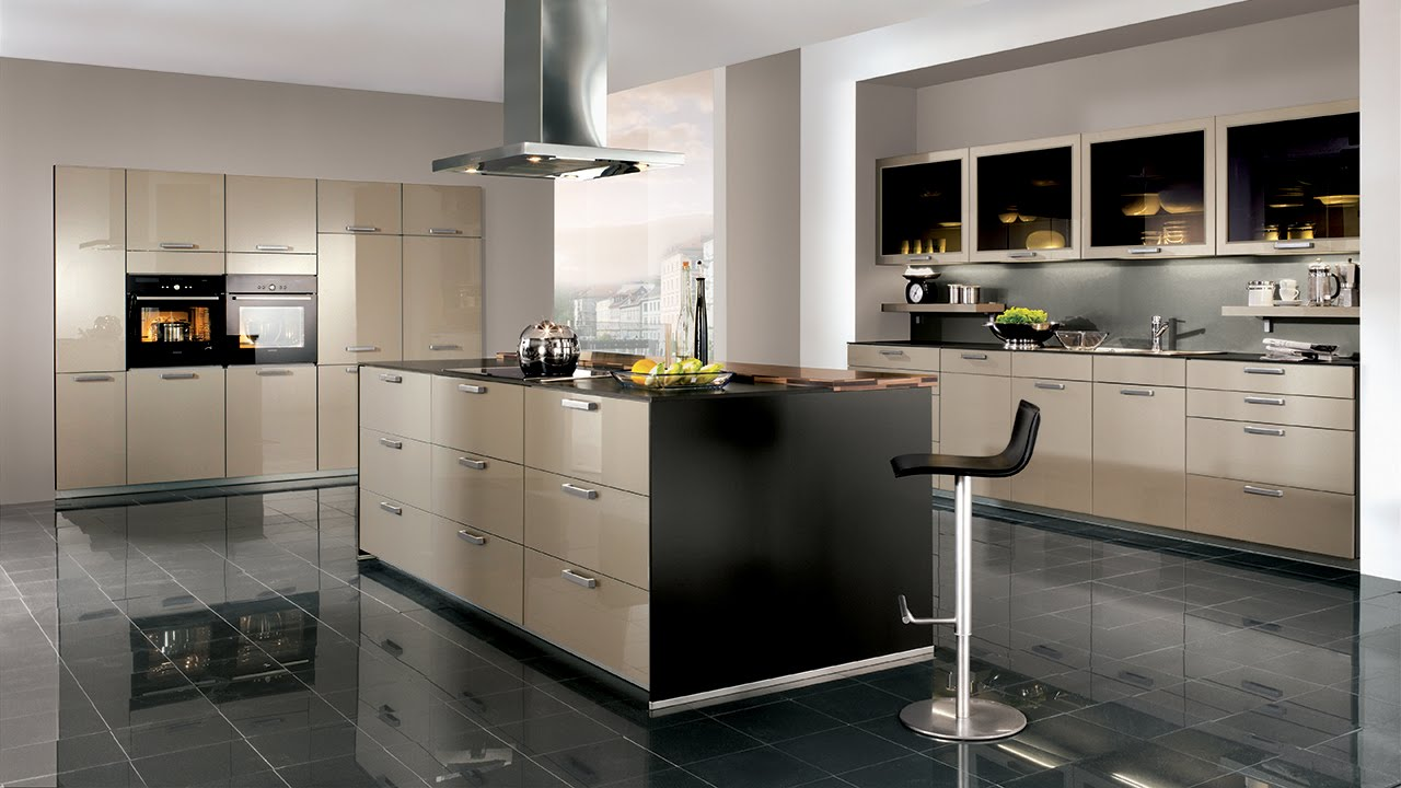 Beautiful modern fitted kitchens stainless steel glass for Beautiful modern kitchens