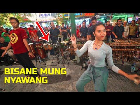 Pecah Banget Musiknya!! BISANE MUNG NYAWANG - Angklung Carehal Jogja (Angklung Malioboro) Koplo