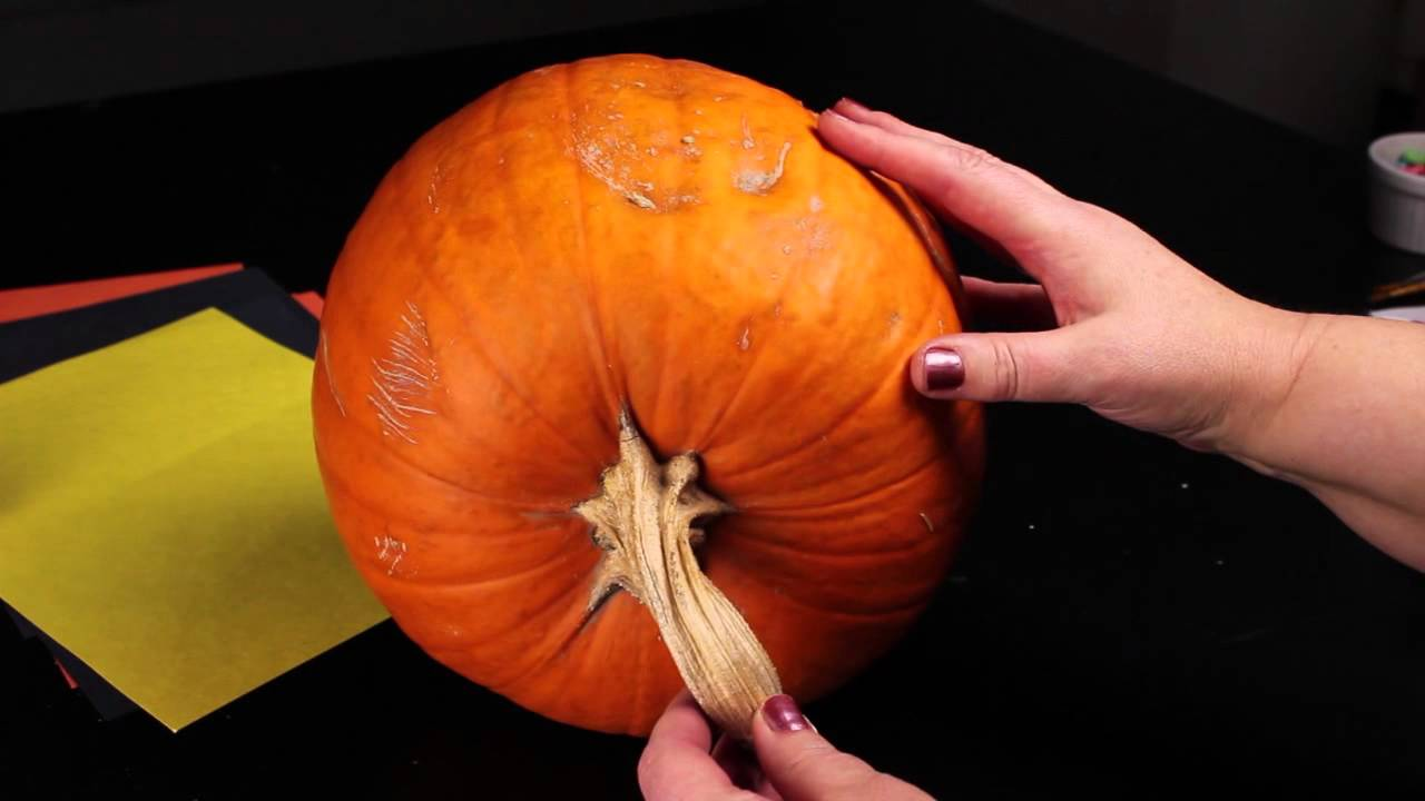 How To Decorate A Pumpkin With A Witch Face Decorating