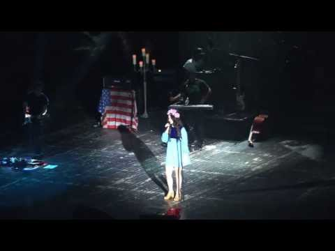 Lana Del Rey - Knocking On Heavens Door Live Cover (Crocus City Hall, Moscow)