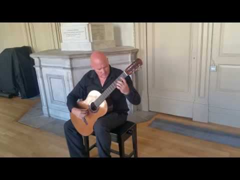 Graham Anthony Devine plays Bach Prelude BWV 1012 6th Cello Suite
