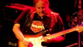 WALTER TROUT AND THE RADICALS - SHEPHERD'S BUSH EMPIRE,LONDON 16.10.08........Dont Wanna Fall