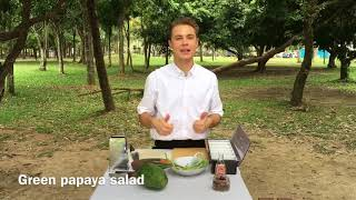 Green papaya salad Салат з зеленого манго