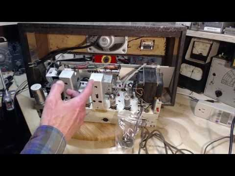 Florida AM/FM/SW Tube Radio Video #10 - Troubleshooting Distortion