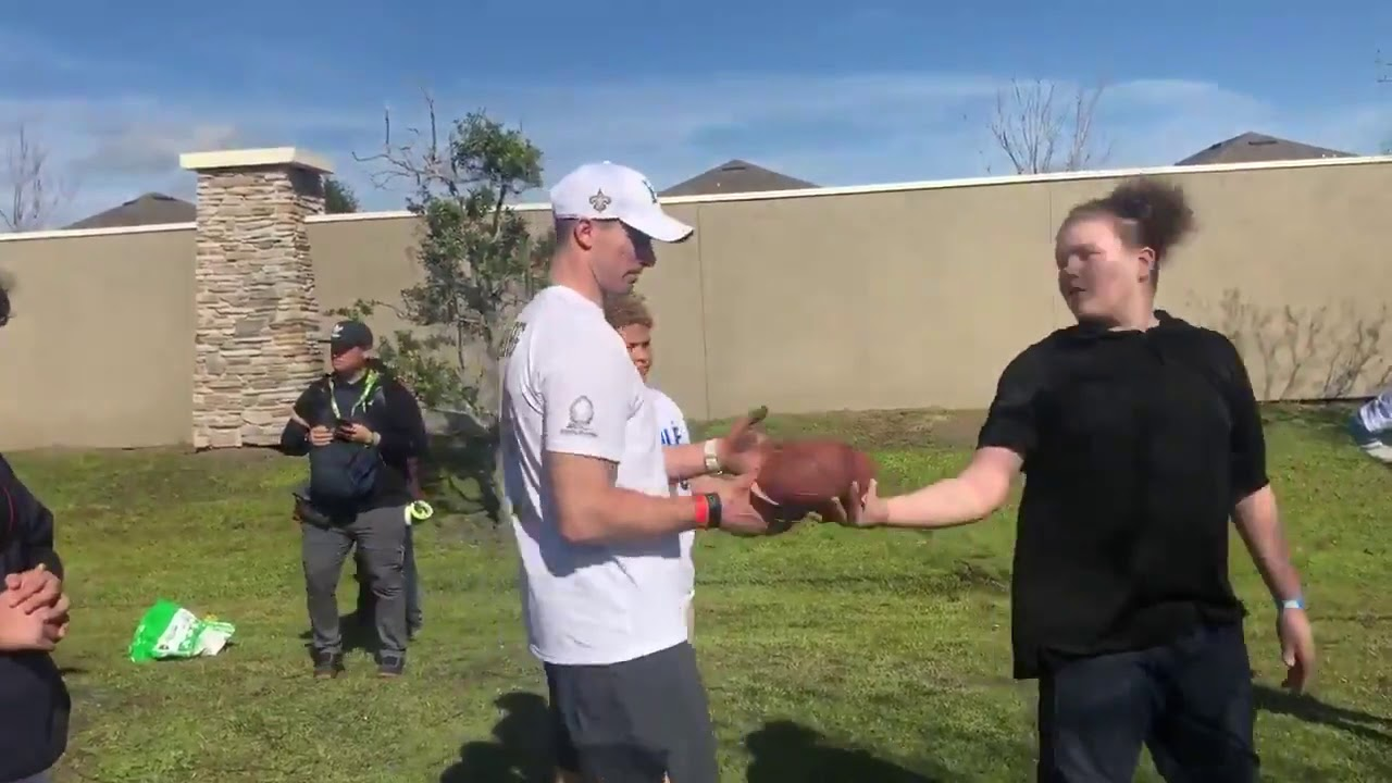 Saints at the Pro Bowl: Drew Brees gives impromptu throwing lessons