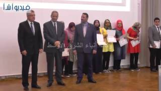 بالفيديو: الهلالى الشربيني أوائل الثانوية العامة ولحظة فرح الطلبة بتسليم شهادات التكريم