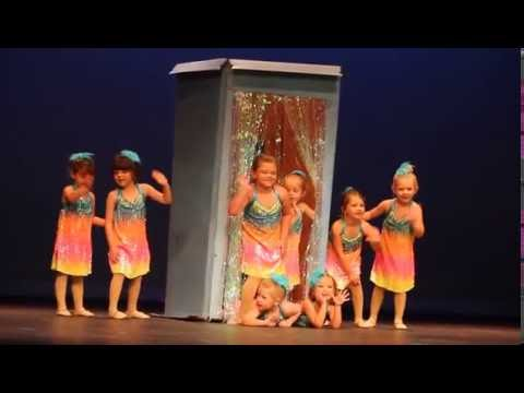 Studio 150:4 34 yo Class Singing in the er Ballet