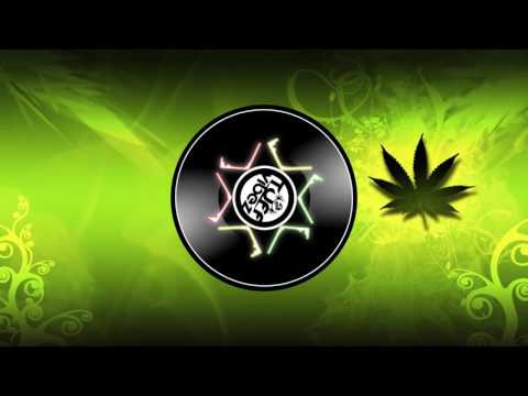 Tuff Steppas - Love Marijuana Feat. Smoke , Gregory GRas (Six Million Ways To Dub Album)