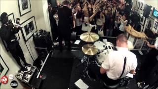 The Hives - Wait A Minute - Live Hall OÜI FM 19/09/2012