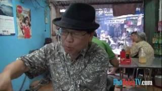 NB Nguyễn Phương Hùng và những món ăn đầu tiên sau 57 năm xa Hà Nội.