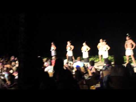 Personal Tour Guide, Luau in Hawaii ( ll )