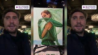 Денис Лебедев написал картину для Бузовой и привез в БузФуд подарить этот шедевр