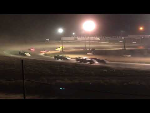 9/3/2017 Gillette Thunder Speedway main event outside view