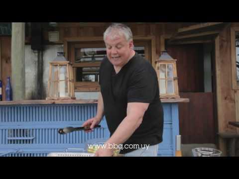 Verduras al wok en una barbacoa Broil King - Parrillastore BBQ-Uruguay