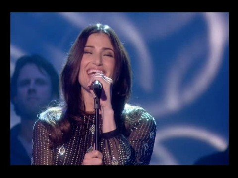 Idina Menzel singing Brave on For One Night Only