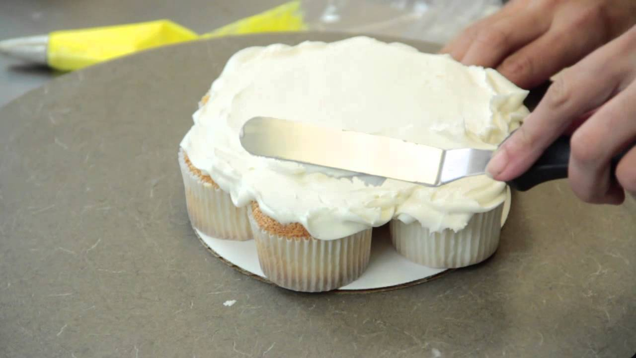 How To Make A Pull Apart Cupcake Cake Cake Recipes Youtube