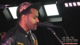 Twin Shadow-Run My Heart LIVE at 987FM