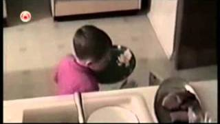 America's Funniest Home Videos - Got caught throwing Dinner away Thumbnail