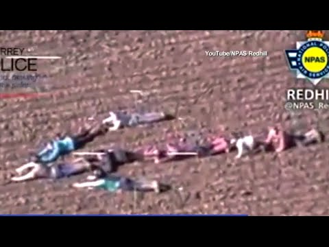 Kids Form Human Arrow to Direct Cops to Crooks - YouTube