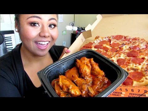 Eat with Me: Pizza and Wings | Lexus Amour