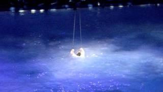 Шоу на аквабайке продолжается. И прыжки в воду.
