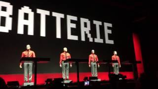 Kraftwerk 2015 3D LIVE Nationalgalerie Berlin  Wir sind die Roboter unvollständig