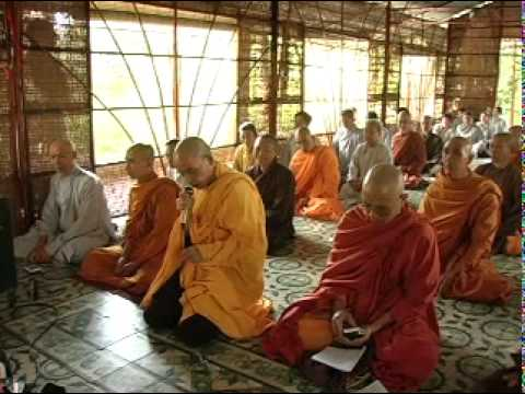 Lớp Bát Chánh Đạo 2005/11/15 VCD2 - Trưởng Lão Thích Thông Lạc