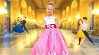 Stacy va a un baile para princesas con papá