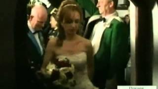 Свадьба с стиле графа Дракулы прошла в Румынии(http://hutko.net/ Американцы Арлин и Симона Вудс сыграли первую свадьбу в истории румынского замка Бран, более..., 2011-10-27T05:18:46.000Z)