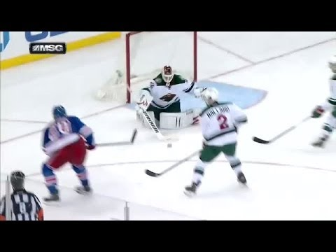 Chris Kreider scores on fanned shot