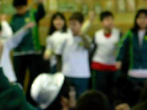 Hiroshi nishimoto Dançando festa de natal
