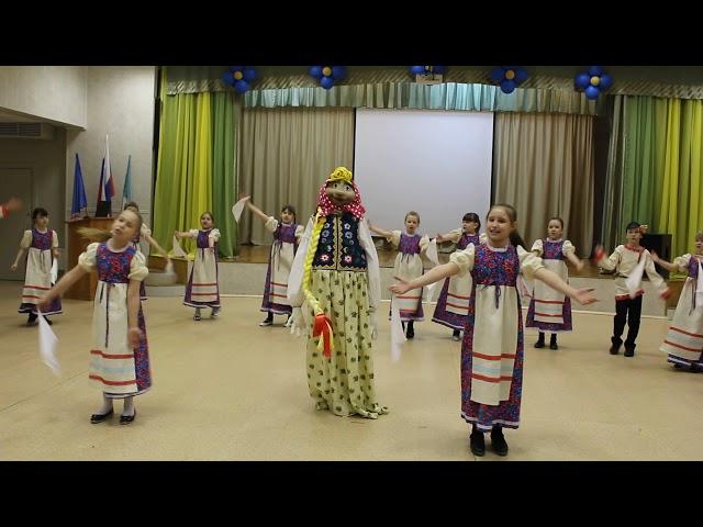 Изображение предпросмотра прочтения – «Народное творчество 2Г класс» читает произведение «Частушки» (Русский фольклор )