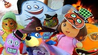 ХЭЛЛОУИН Даша Путешественница мультик из игрушек Праздник с конфетами Halloween for children toys