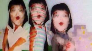 "Karine Alexandrino canta ""Babydoll de Nylon"""