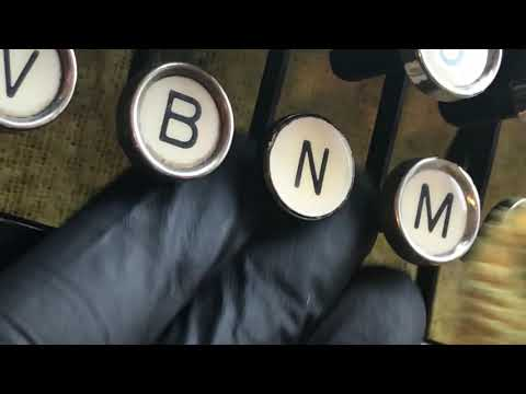 Remington portable Typewriter Key removal & cleaning using vintage tool (Typewriter Key top polish)