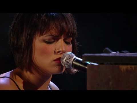 Norah Jones - Sunrise (Live at Farm Aid 25)