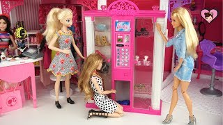 Frozen Queen Elsa & Anna Barbie Vending Machine with Doll Accesories