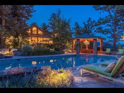 Tranquil Estate and Equestrian Property in Boulder, Colorado