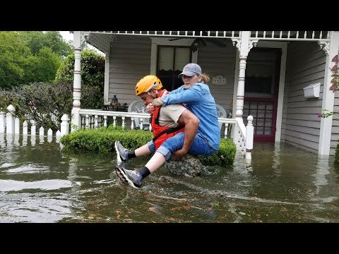 """After Maria """"Obliterates"""" Puerto Rico, Trump Pushes Dangerous Climate Policy"""