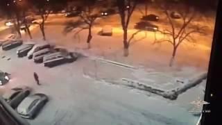 Смотреть видео Убийство профессионального кикбоксера в Москве попало на видео онлайн