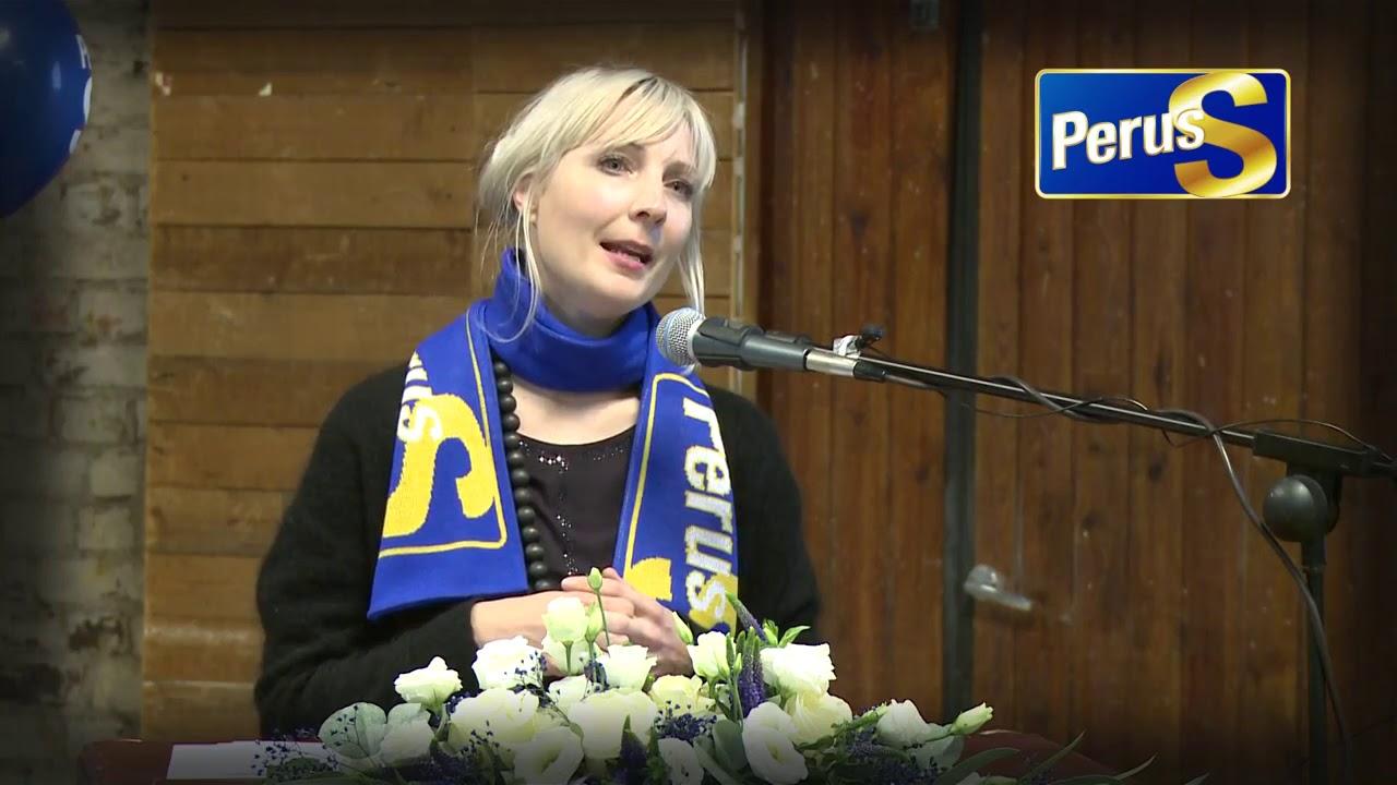 Laura Huhtasaari Kokkolassa 11.11.2017 - YouTube