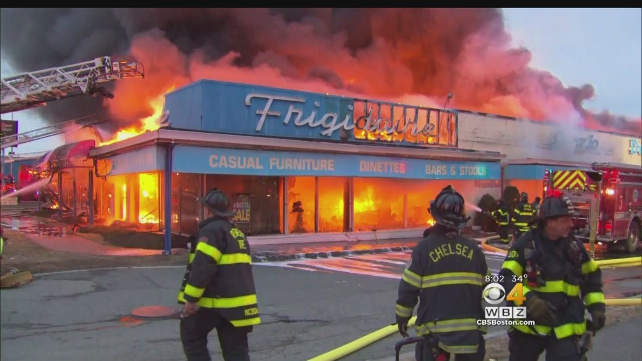 5-Alarm Fire Destroys Landmark Appliance Store