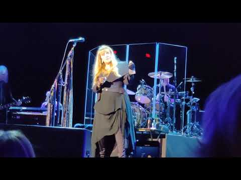 Stevie Nick's singing Dreams CES 2020